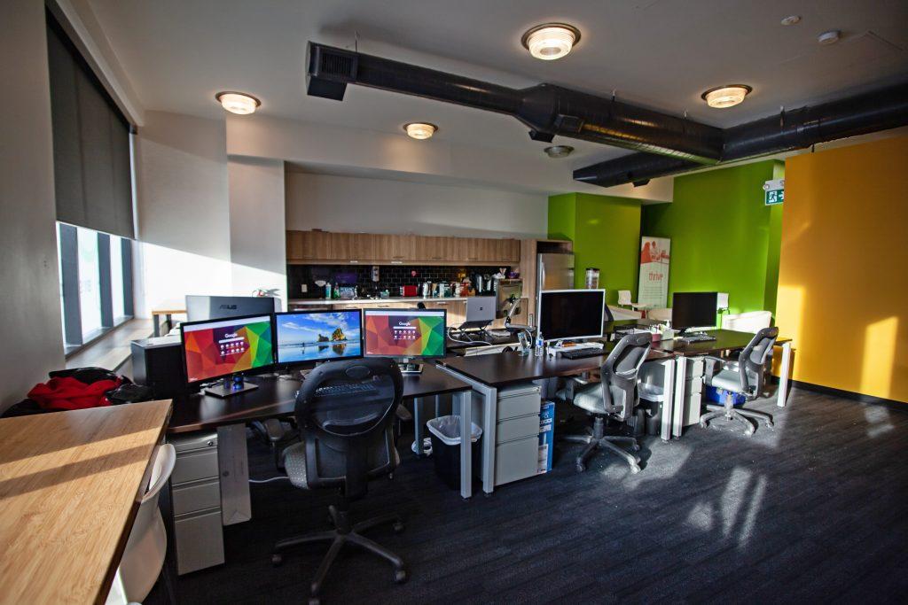 Core21 office desks